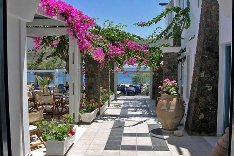 Hotel Afroditi and Venus Beach - Kamari - Santorini